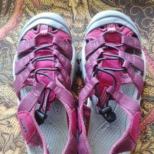 Keen Sandal Hiking Shoe Size 8